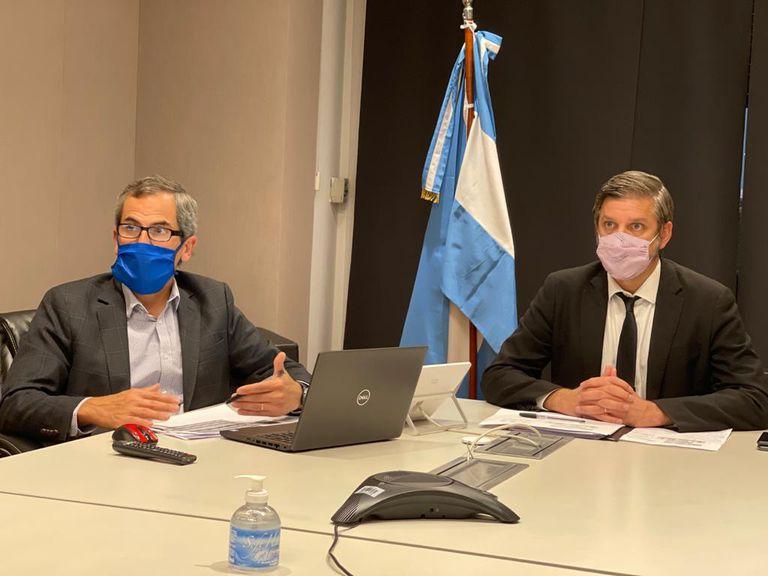 Ramiso Tosi, subsecretario de Financiamiento, y Mariano Sardi, jefe del área, al explicar días atrás la estrategia oficial.