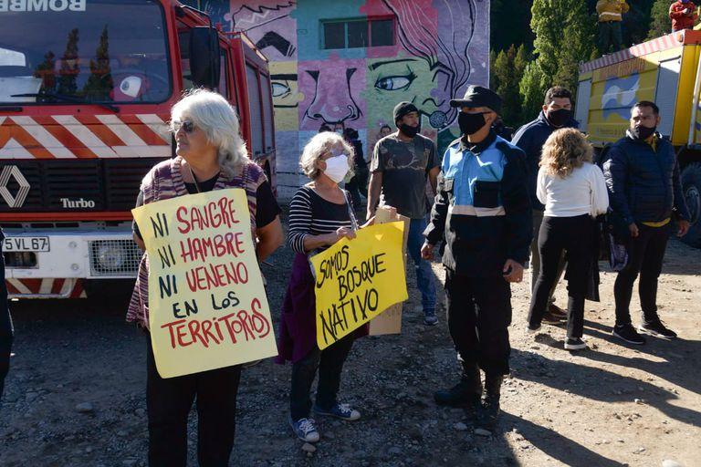 Alberto Fernández viajó a la provincia del Chubut para recorrer las zonas afectadas por los incendios
