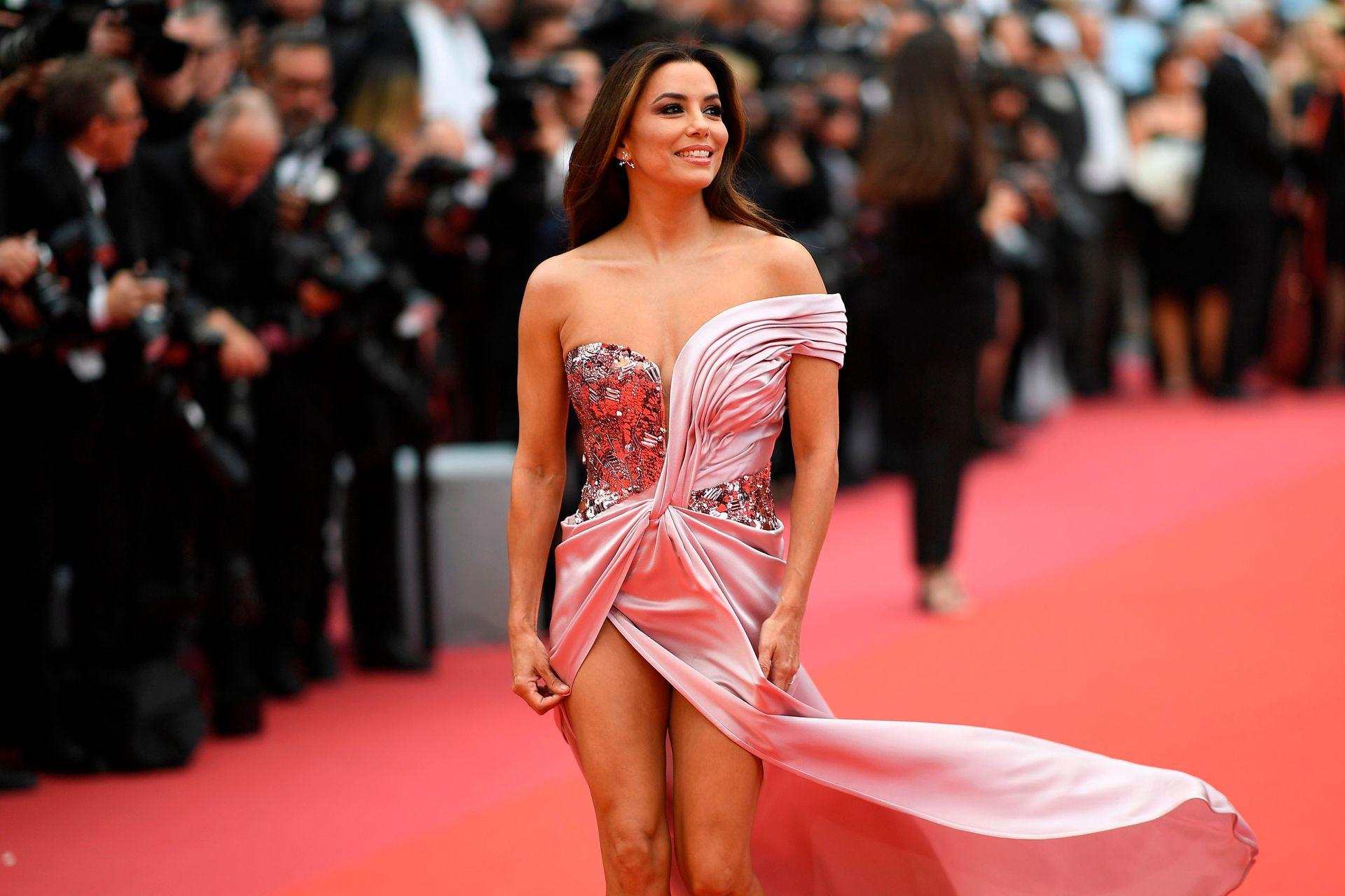 La actriz estadounidense Eva Longoria en la alfombra roja de Cannes