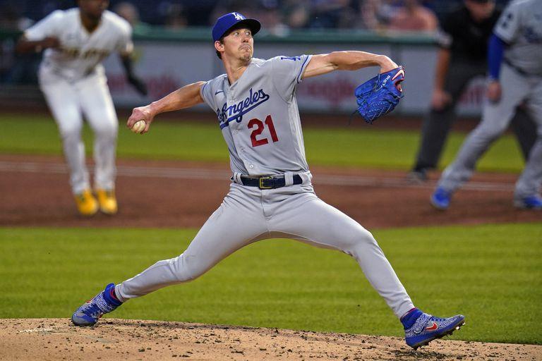 El pitcher abridor de los Dodgers de Los Ángeles Walker Buehler en el tercer inning del encuentro ante los Piratas de Pittsburgh el martes 8 de junio del 2021. (AP Photo/Gene J. Puskar)