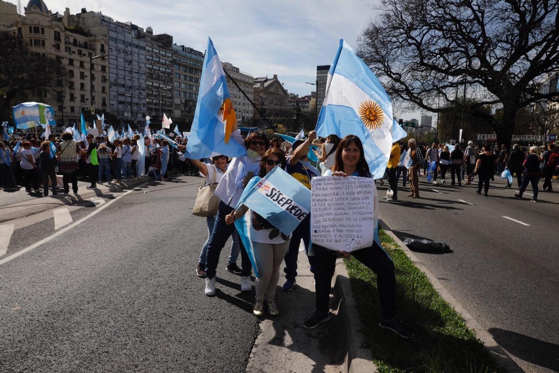 El acto en el Obelisco era replicado esta tarde en diferentes ciudades del exterior, en apoyo a la reelección de Macri