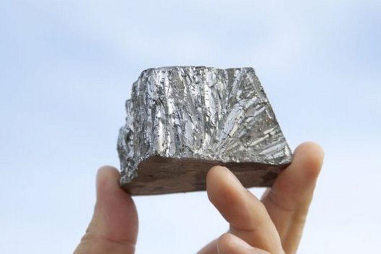 El zinc es un mineral maleable, dúctil y de color gris