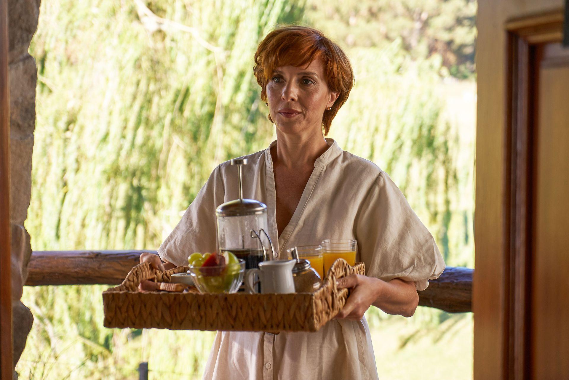 Carla Peterson interpreta a Selva, una excéntrica terapeuta