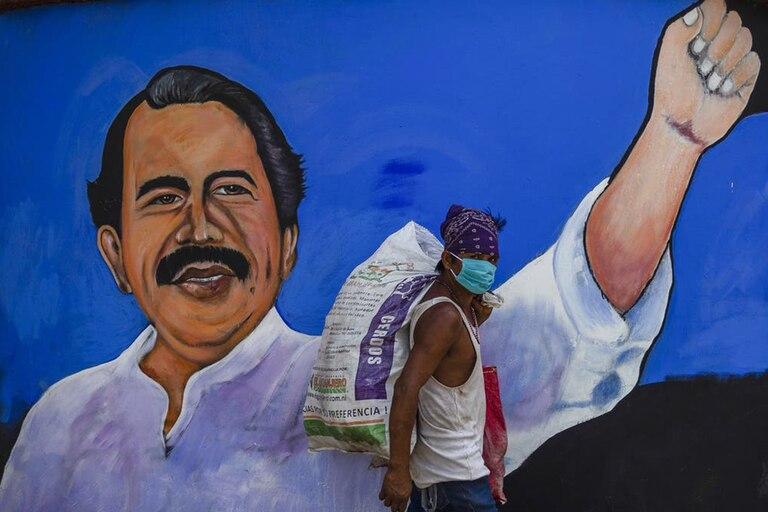 Una imagen de Daniel Ortega en las calles de Managua