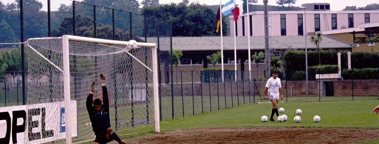 Italia 90. Caos antes de la final: la bandera tajeada y sospechas sobre Bilardo