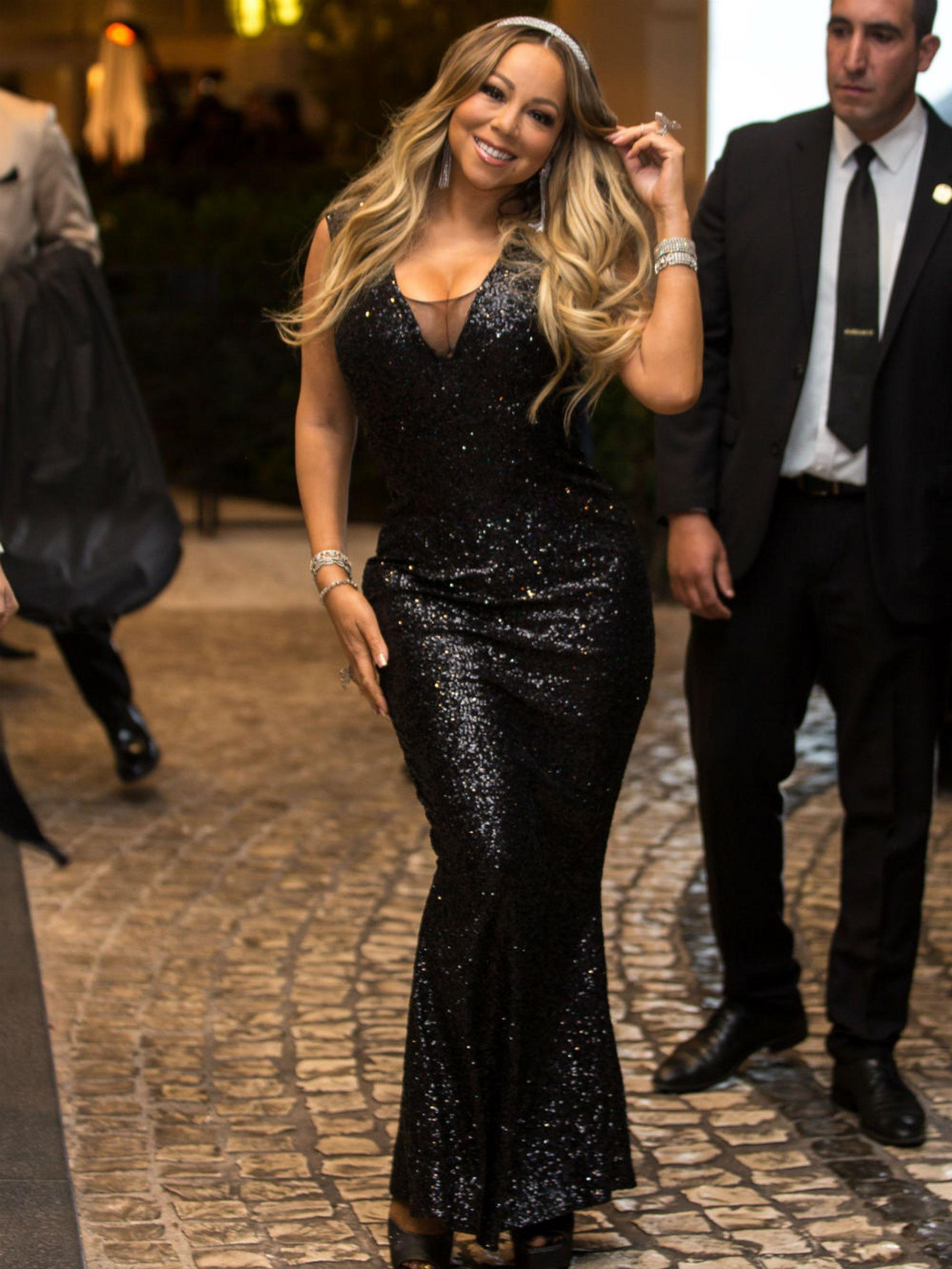 A quien también se la pudo ver en Cannes fue a Mariah Carey; la diva de la música se robó todas las miradas con un vestido corte sirena y una delicada tiara