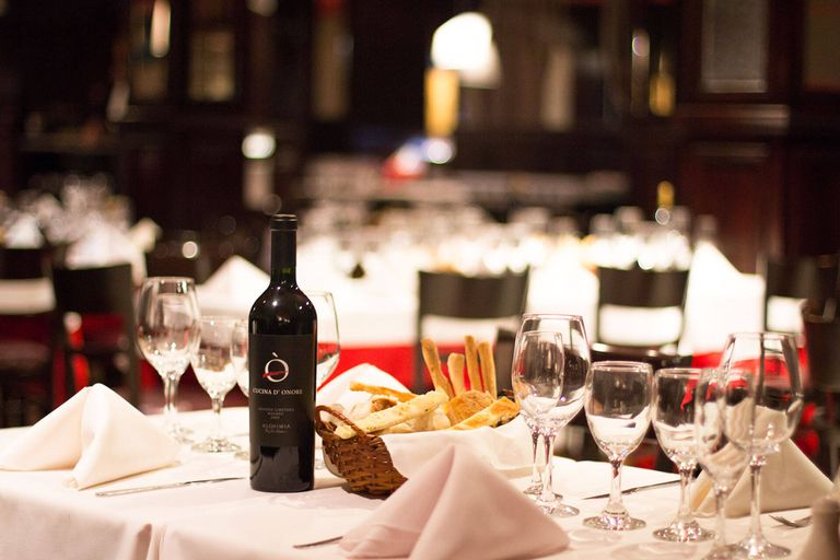 Los vinos de la cava de Cucina D'Onore son ideales para maridar sus especialidades italianas (y para brindar por una buena amistad)
