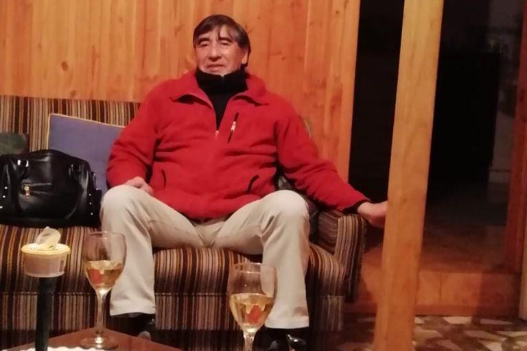 Luis Pérez Ramírez, de 63 años, vivía en Ituzaingó, en Buenos Aires, y estaba varado en Chile. Ayer falleció de un infarto