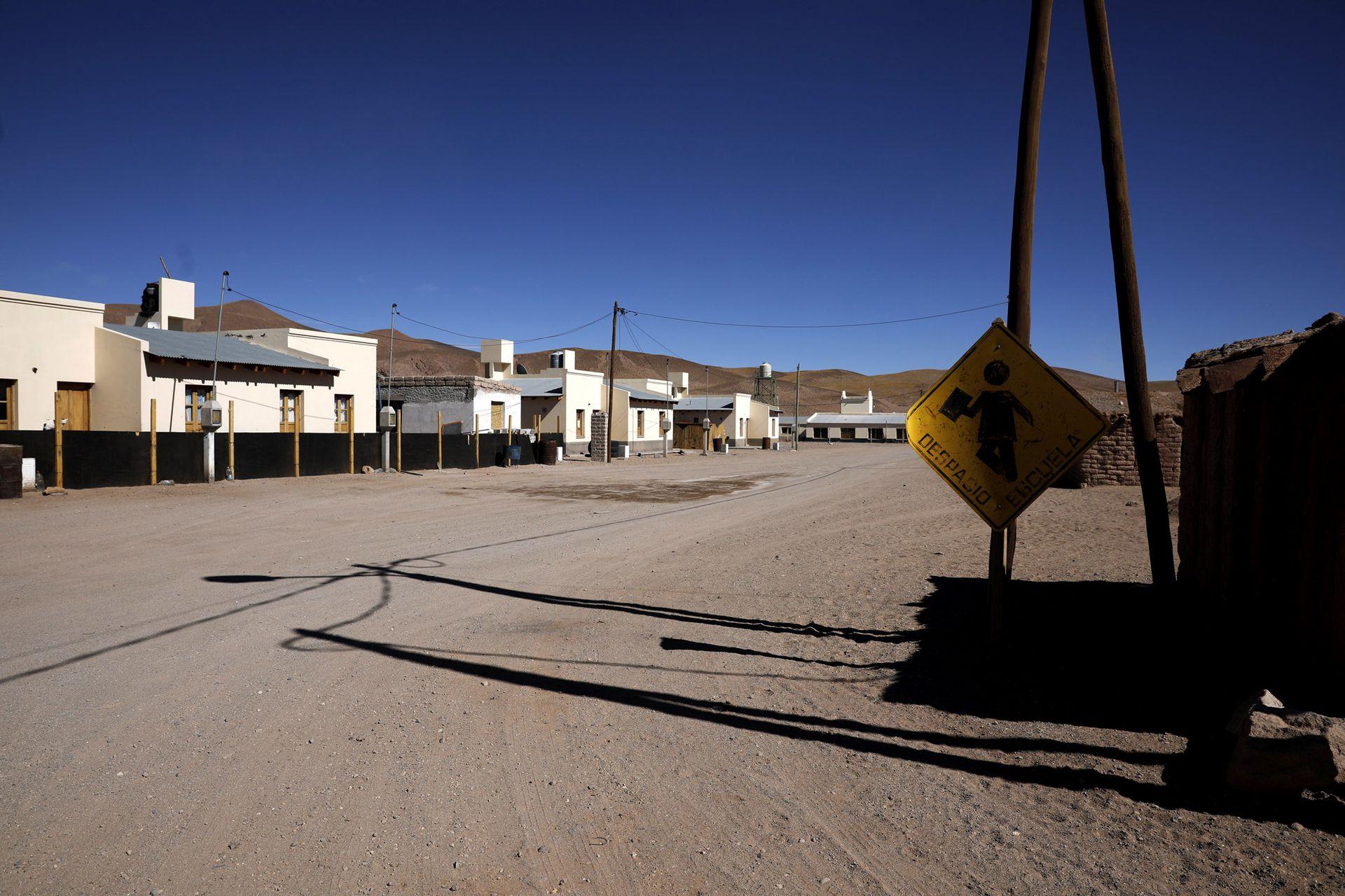 Una de las calles del pueblo de Olacapato