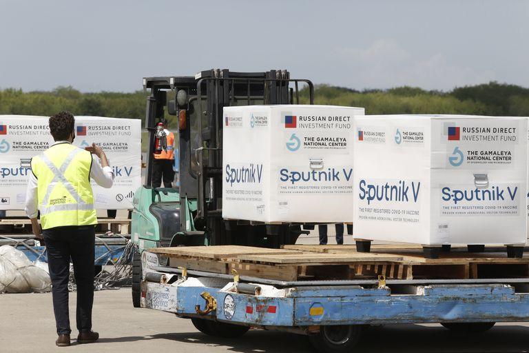 El gobierno latinoamericano que se cansó de esperar y canceló la compra de 8 millones de Sputnik V