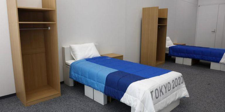 Las camas fabricadas de cartón en la Villa Olímpica para Tokio 2020