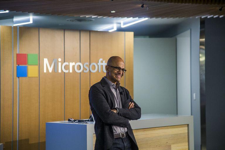 Cómo una compañía como Microsoft llegó a valer lo mismo que Apple