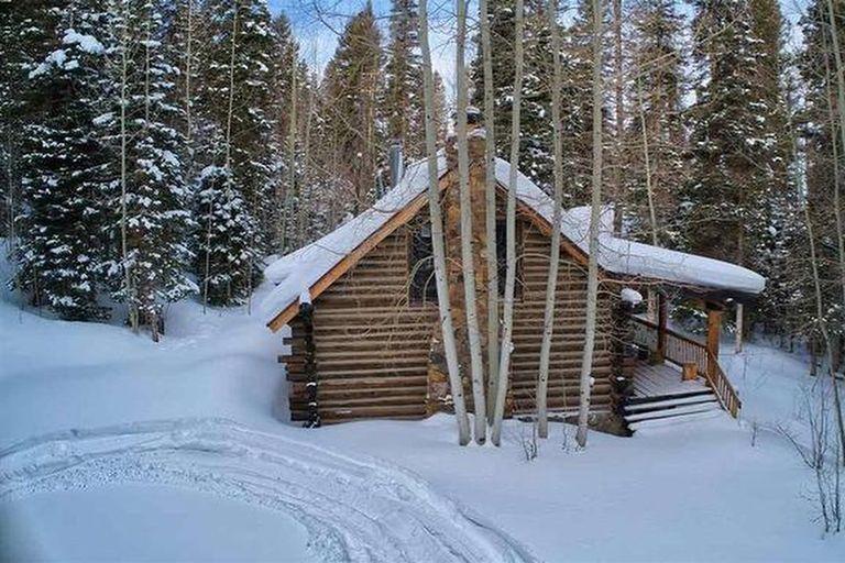 Con salida directa a una pista de esquí, cuesta $395.500