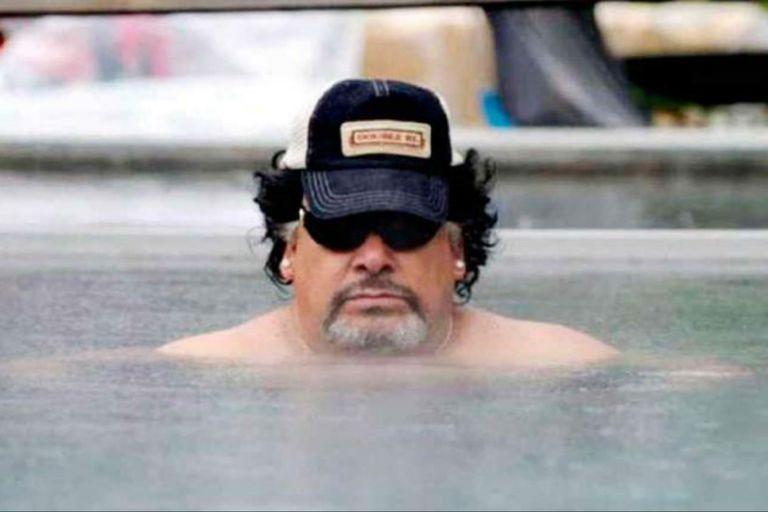 Confesión: Roly Serrano se hizo pasar por Diego Maradona para firmar autógrafos