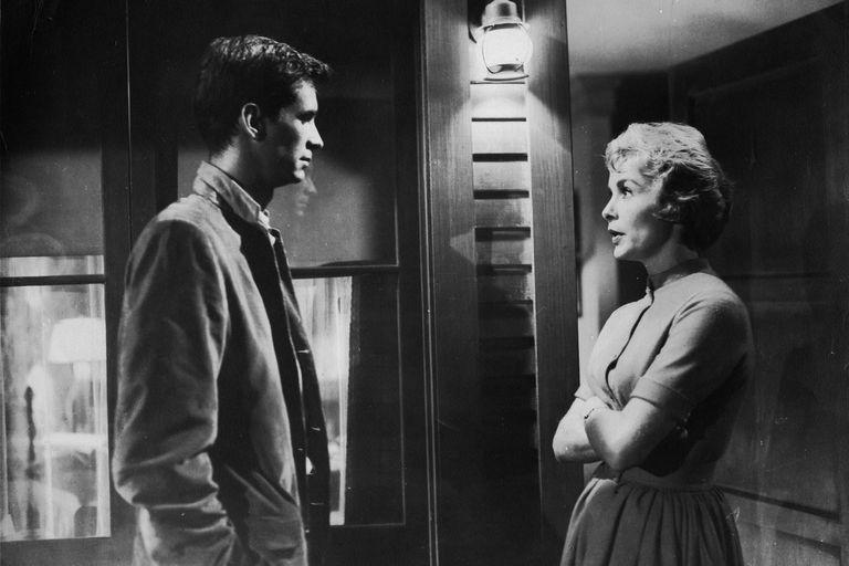 Una escena entre Anthony Perkins y Janet Leigh.