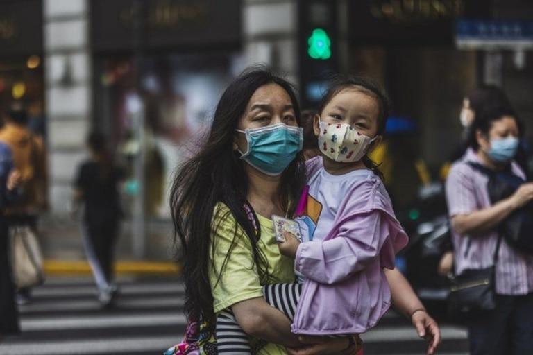 Se produce después de que un censo de una vez en una década mostrara que la población de China creció a su ritmo más lento en décadas