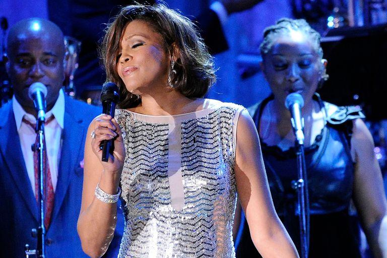 Whitney Houston es la protagonista de un documental, en el cual se revela que fue abusada de niña