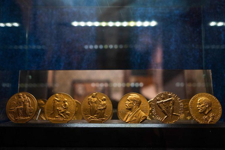 """Crisis del Instituto Nobel: cómo evitar una """"idea abominable"""" para no sufrir presiones en los premios"""