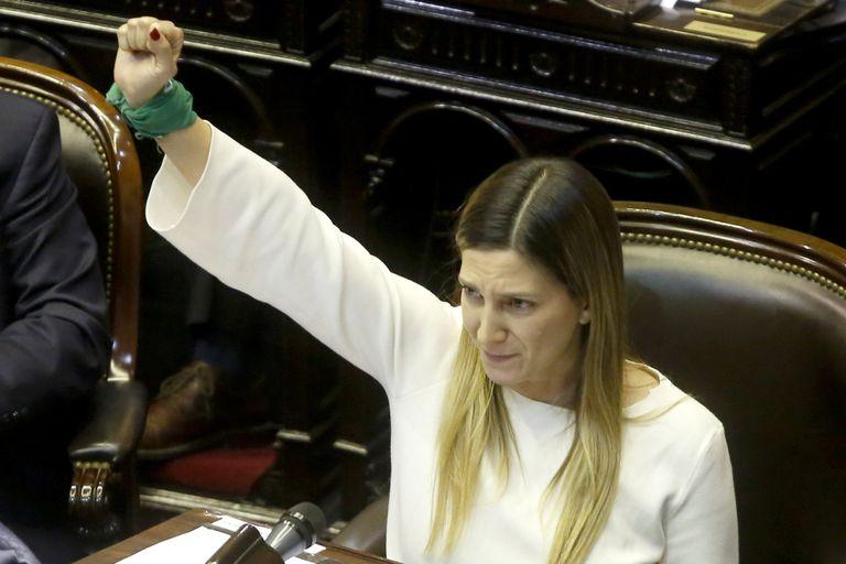 """Lospennato: """"Hoy estoy de duelo, mañana retomo la lucha por el aborto legal"""""""