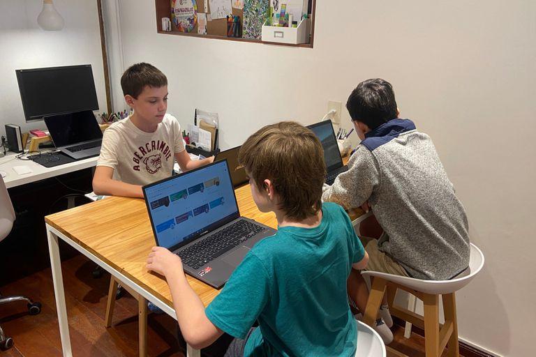 Lograr autonomía, el desafío de los chicos que empezaron el secundario este año