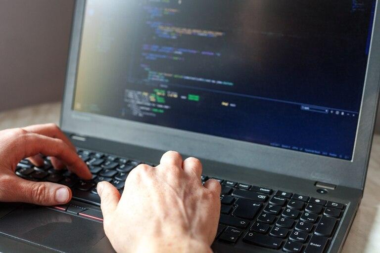 El fraude fue descubierto por Siemens cuando la compañía exigió el acceso al código del software ante una falla que no pudo resolver el programador de forma presencial
