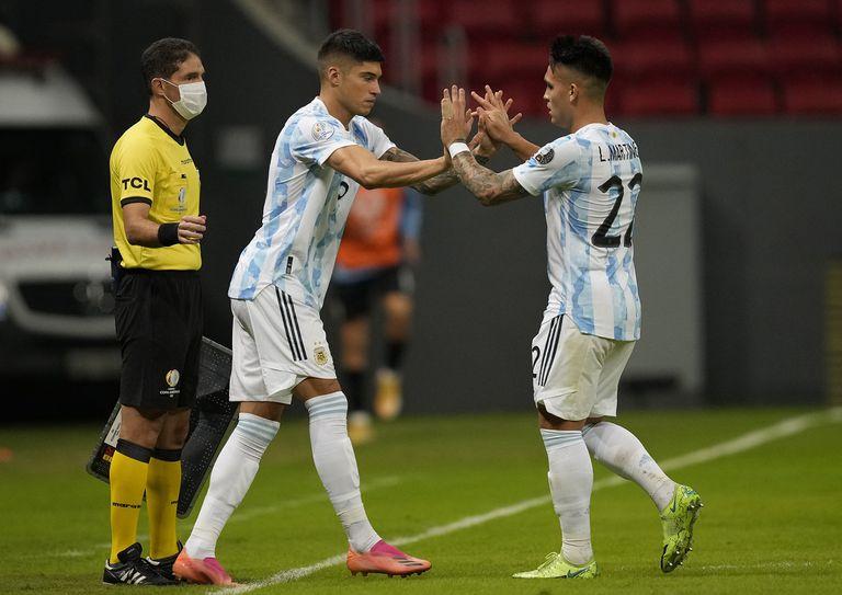 Joaquín Correa reemplaza a Lautaro Martínez; al 9 titular de la selección se lo ve incómodo