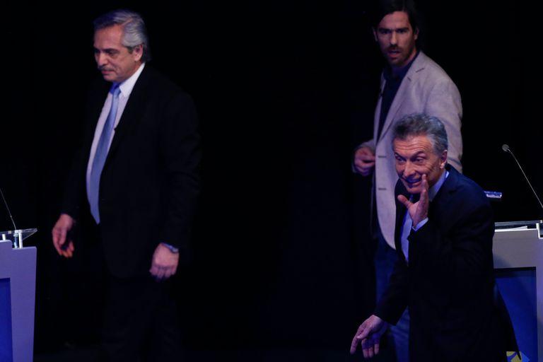 Alberto Fernández, Nicolás Del Caño y Mauricio Macri en el final del debate presidencial