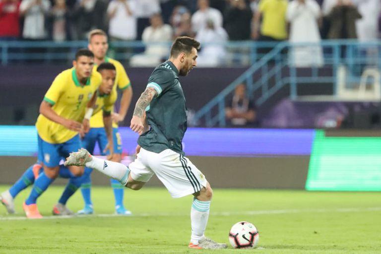 Argentina-Brasil: el penal que Alisson le atajó a Messi e igual terminó en gol