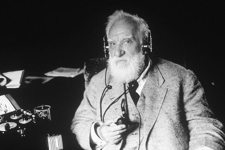 Alexander Graham Bell fue el primero en patentar el teléfono en 1876.