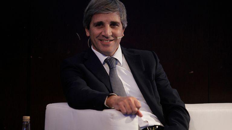 El ministro de Finanzas, Luis Caputo, prometió estabilidad y llamó a los empresarios a acelerar las inversiones