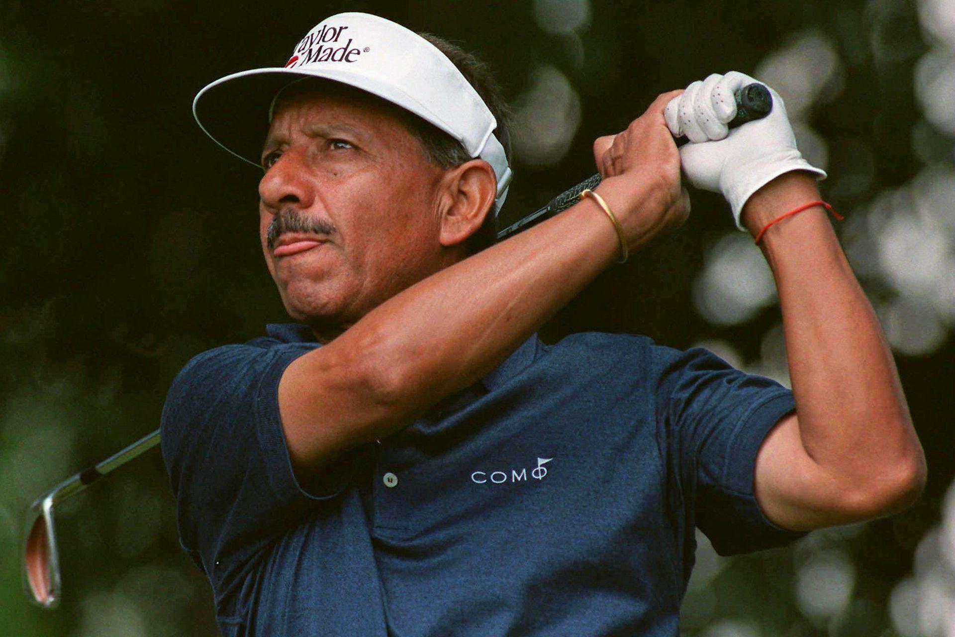 Vicente Fernández en el torneo du Maurier Champions en el St. Georges Golf and Country Club en Toronto, en junio de 1997; el Chino tiene una larga carrera en el golf.