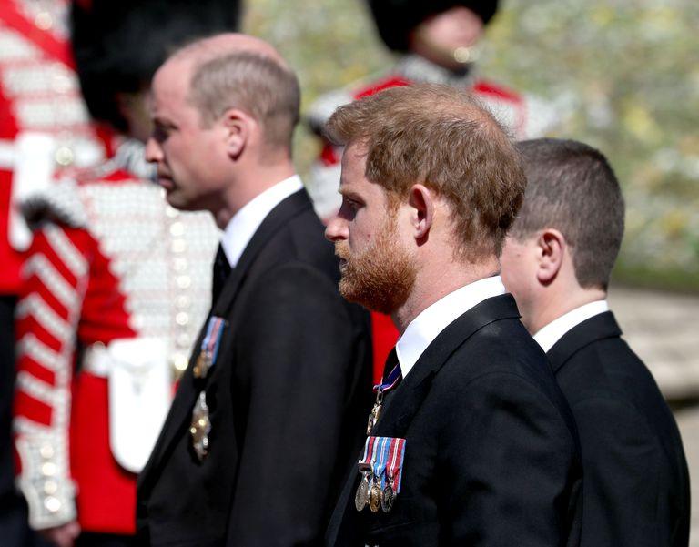 En el Reino Unido aseguran que el duque de Cambridge, tercero en la línea de sucesión, no quería ser visto al lado de su hermano