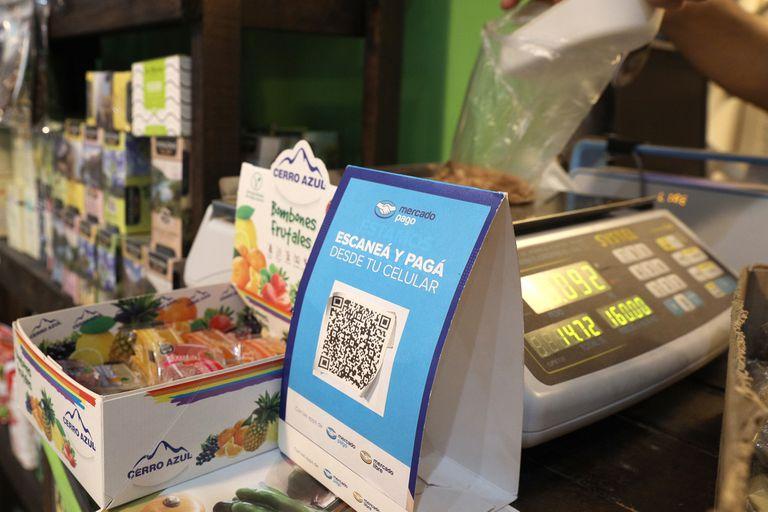 Usar el celular como reemplazo de la billetera o del plástico para pagar es cada vez más común