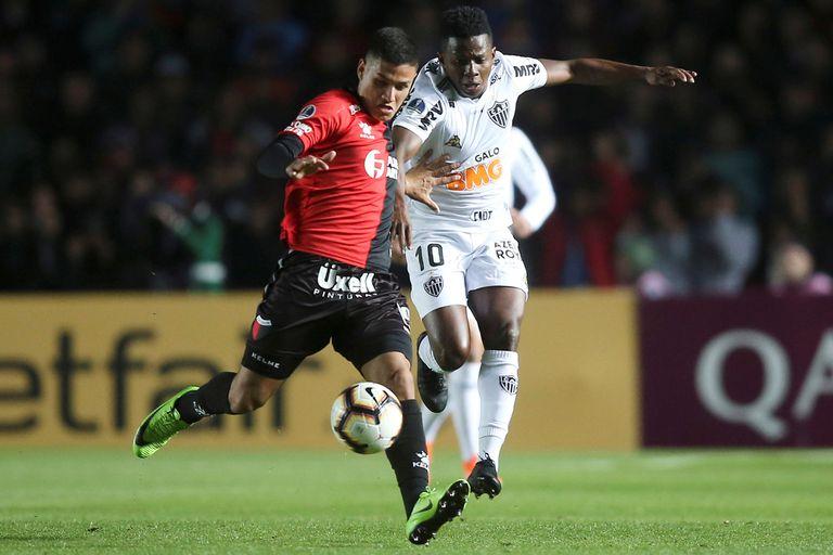El lateral derecho Alex Vigo, de 21 años, debutó en Colón en 2018 y se convirtió en nuevo refuerzo de River.
