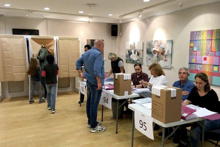 El Gobierno habilitará el voto por correo para residentes en el exterior