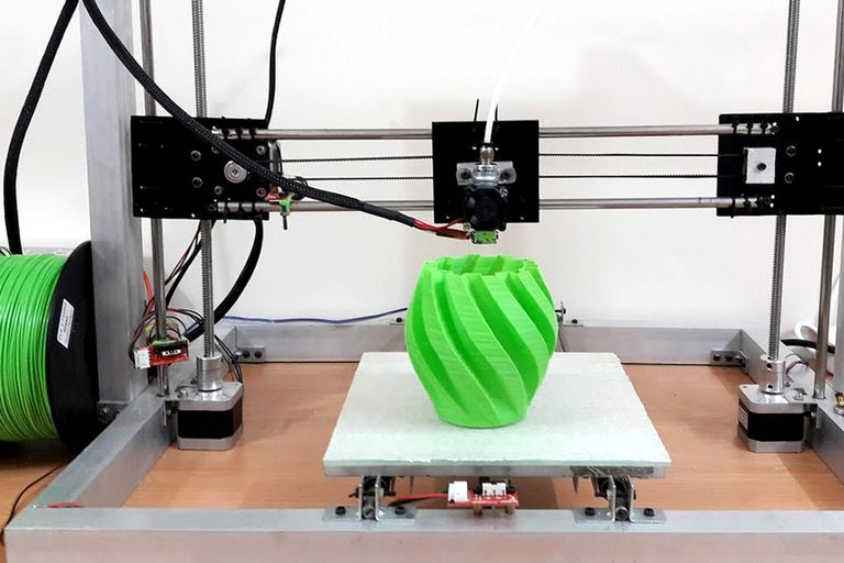 Un proyecto del Conicet propone usar el descarte de las madereras misioneras para crear un plástico biodegradable que se puede usar en impresoras 3D