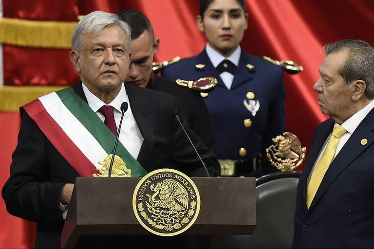 México gira a la izquierda: asumió López Obrador