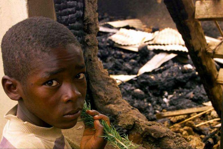 """Se llevo a cabo por la secta ugandesa """"Restauración de los Diez Mandamientos de Dios"""". Fuente: ABC."""