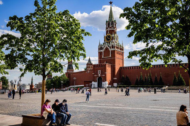 """""""Sustancia extraña"""": la desconfianza de los rusos hacia la Sputnik sigue latente"""
