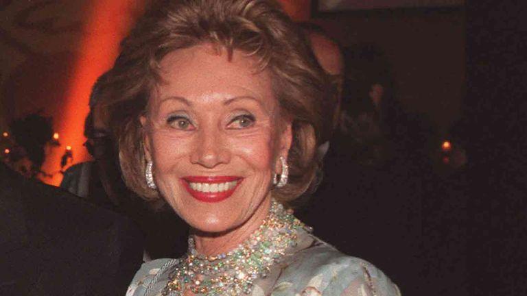 Arroyo Salgado sobreseyó a Ernestina Herrera de Noble