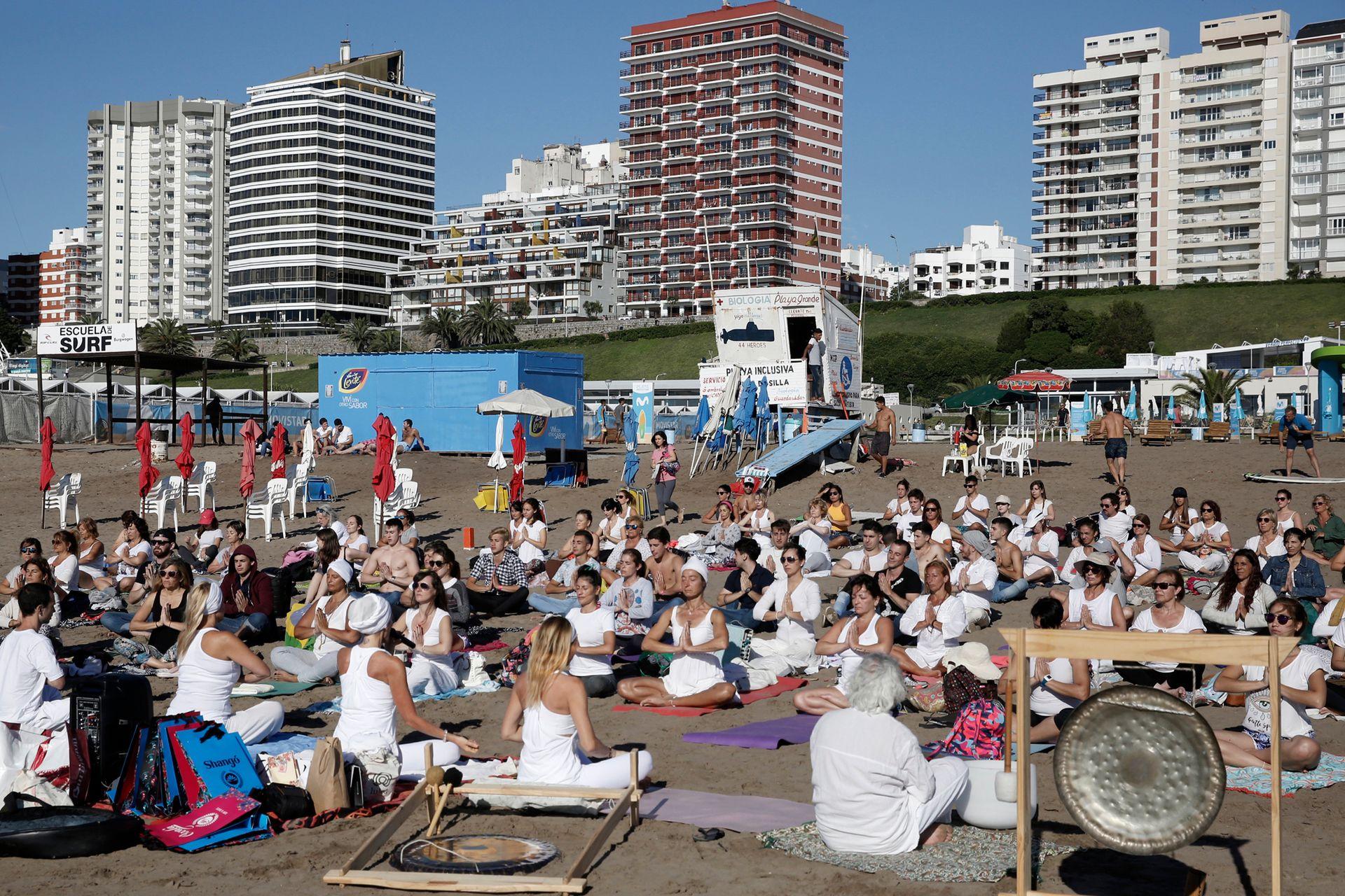 Meditación y yoga en Playa Grande