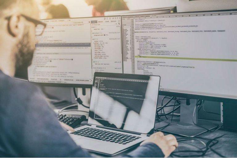 La Ley de Promoción de la Industria del Software fue sancionada en 2004 y prorrogada en 2011; está vigente hasta fines de este año