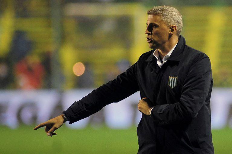 Hernán Crespo dejará de ser el técnico de Banfield