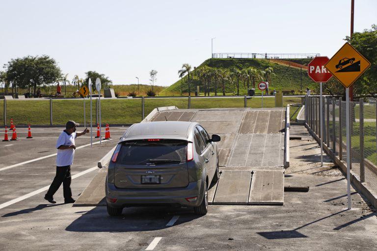 La pista, en el Parque Extremo, también tiene obstáculos para los conductores que quieren obtener la licencia