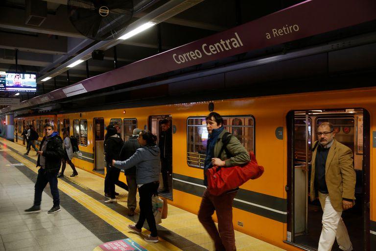 La prolongación de la línea E beneficia a los 90.000 pasajeros que viajan a diario en el ramal