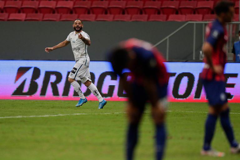 San Lorenzo. No entró en la Libertadores y regresó con dos casos de covid