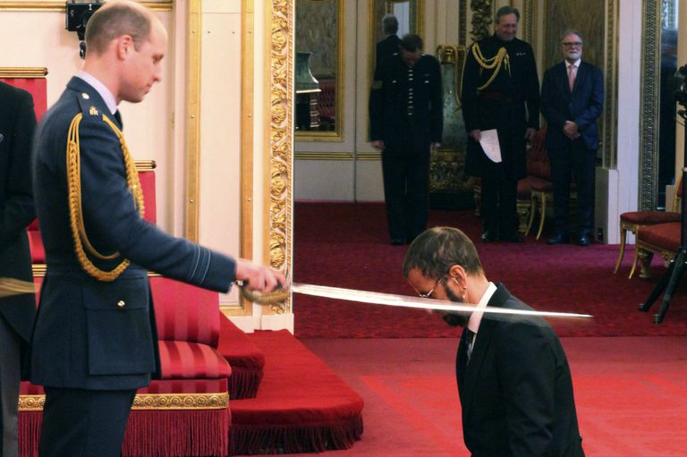 Ringo Starr fue distinguido por el príncipe Guillermo en el Palacio de Buckingham londinense