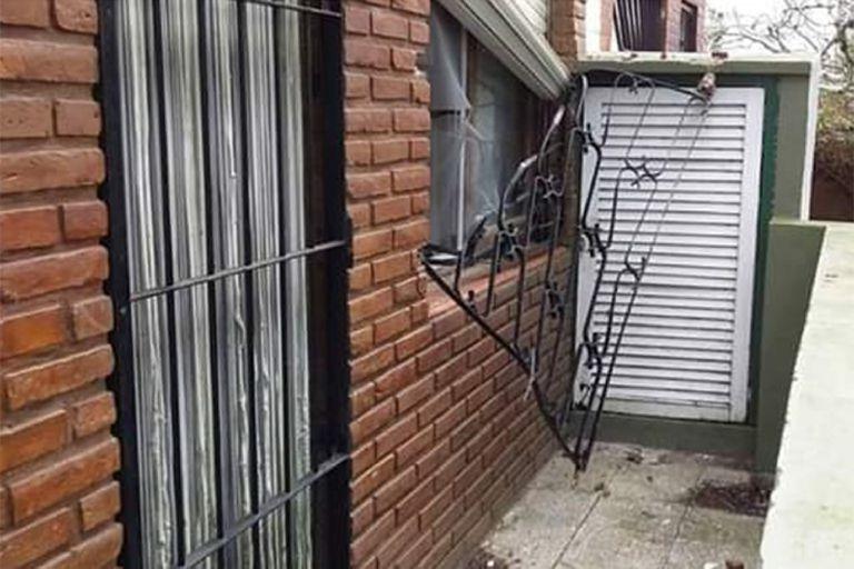 Las ventanas forzadas se volvieron una escena habitual en el Partido de la Costa