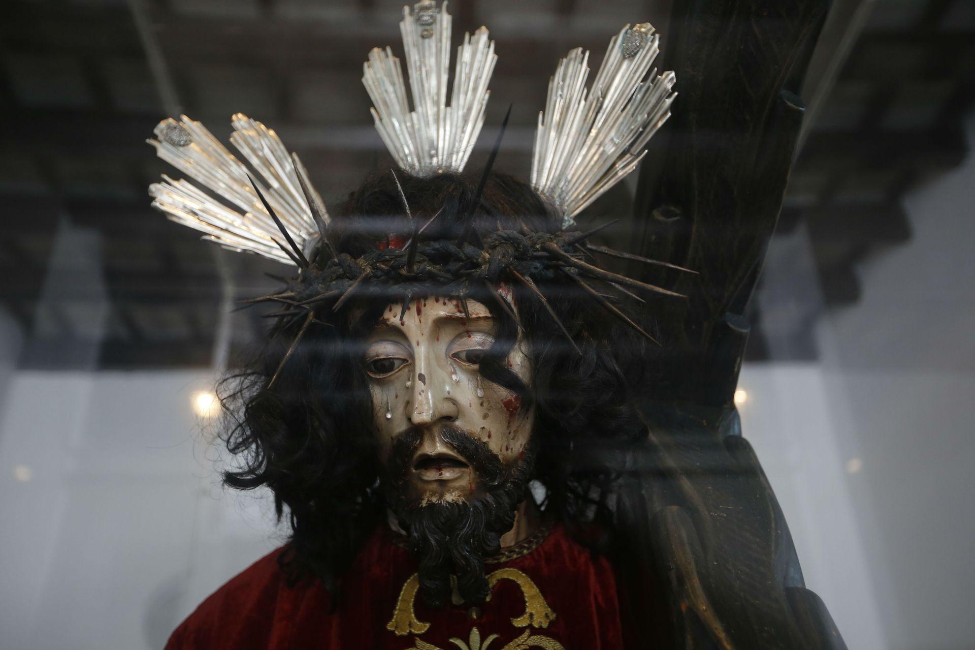 Una imagen de Jesús en la cruz