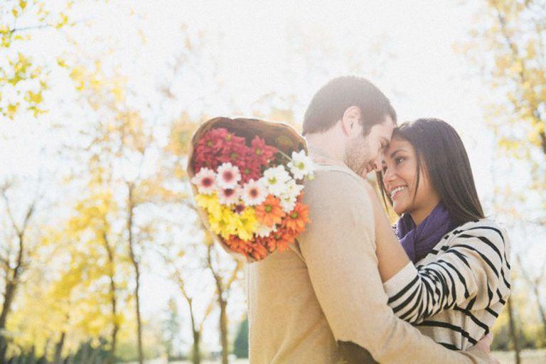 Que no estemos buscando novio, marido, ni un futuro juntos no significa que muchas no deseemos ser cortejadas, es decir, tratadas como personas valiosas